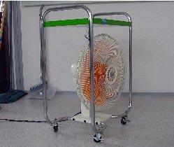 送風機で乾燥させる