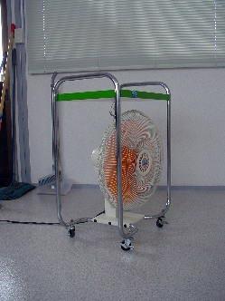 送風機で乾かす